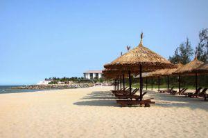 Golden-Sand-Resort-Spa-Hoi-An-Vietnam-Beachfront.jpg