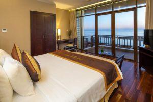 Golden-Sand-Resort-Spa-Hoi-An-Vietnam-Room.jpg