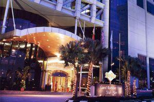 Grand-Bluewave-Hotel-Shah-Alam-Kuala-Lumpur-Malaysia-Exterior.jpg