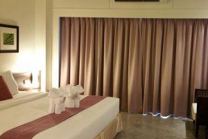 Grand-Hotel-Pattaya-Thailand-Room.jpg