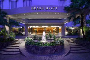 Grand-Hyatt-Hotel-Orchard-Singapore-Entrance.jpg