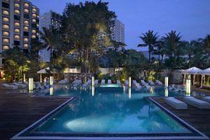 Grand-Hyatt-Hotel-Orchard-Singapore-Pool.jpg