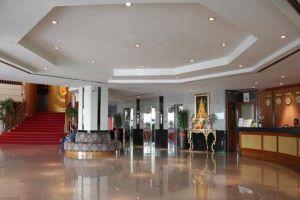 Grand-Inn-Come-Hotel-Suvarnabhumi-Airport-Bangkok-Thailand-Lobby.jpg