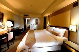 Grand-Margherita-Hotel-Kuching-Sarawak-Junior-Studio-Bedroom.jpg