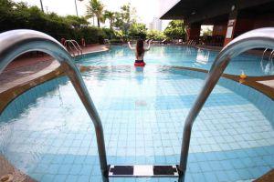 Grand-Mercure-Fortune-Hotel-Bangkok-Thailand-Pool.jpg