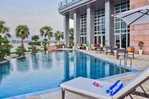 Grand-Mercure-Hotel-Danang-Vietnam-Pool.jpg