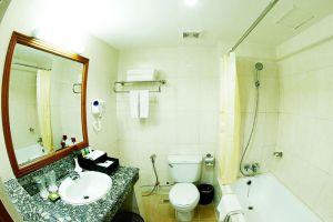 Grand-Palace-Hotel-Yangon-Myanmar-Bathroom.jpg