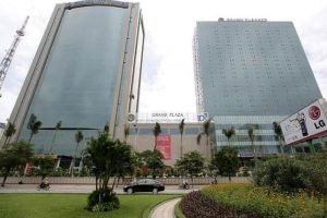 Grand-Plaza-Hotel-Hanoi-Vietnam-Facade.jpg