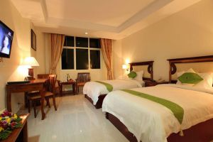 Green-Palace-Hotel-Phnom-Penh-Cambodia-Room-Twin.jpg