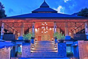 Greenery-Resort-Nakhon-Ratchasima-Thailand-Entrance.jpg