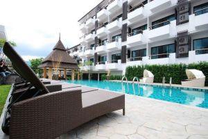 Greenery-Resort-Nakhon-Ratchasima-Thailand-Facade.jpg