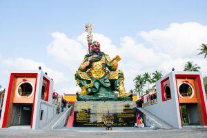 Guan-Yu-Shrine-Samui-Suratthani-Thailand-01.jpg