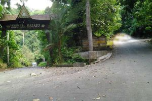 Gunung-Pulai-Johor-Bahru-Malaysia-002.jpg
