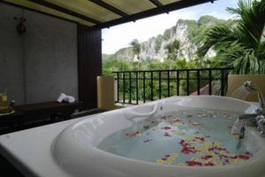 Haleeva-Sunshine-Hotel-Krabi-Thailand-Bathroom.jpg