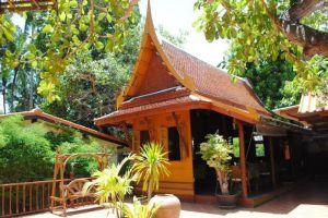 Harry's-Bungalow-Restaurant-Samui-Thailand-Exterior.jpg