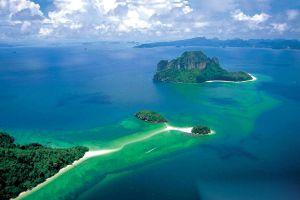 Hat-Noppharat-Thara-Mu-Koh-Phi-Phi-National-Park-Krabi-Thailand-01.jpg