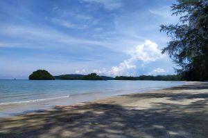 Hat-Noppharat-Thara-Mu-Koh-Phi-Phi-National-Park-Krabi-Thailand-02.jpg
