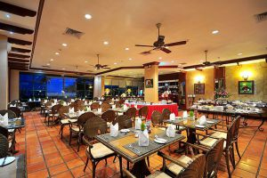 Himawari-Hotel-Phnom-Penh-Cambodia-Restaurant.jpg