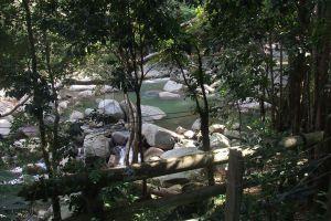 Hin-Lat-Waterfall-Samui-Suratthani-Thailand-01.jpg