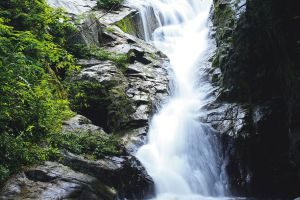 Hin-Lat-Waterfall-Samui-Suratthani-Thailand-02.jpg