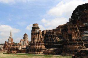 Historical-Park-Ayutthaya-Thailand-004.jpg