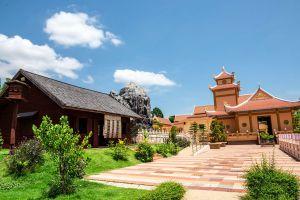Ho-Chi-Minh-Historical-Park-Udonthani-Thailand-04.jpg