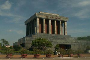 Ho-Chi-Minh-Mausoleum-Hanoi-Vietnam-001.jpg
