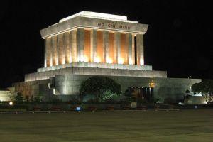 Ho-Chi-Minh-Mausoleum-Hanoi-Vietnam-004.jpg
