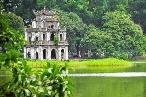 Hoan-Kiem-Lake-Hanoi-Vietnam-002.jpg