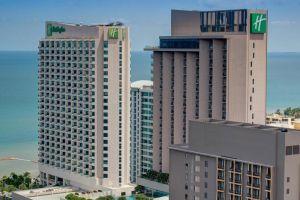 Holiday-Inn-Hotel-Pattaya-Thailand-Facade.jpg