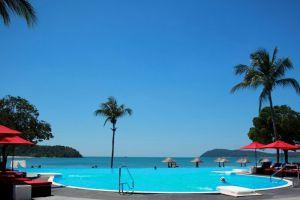Holiday-Villa-Beach-Resort-Spa-Langkawi-Kedah-Pool.jpg