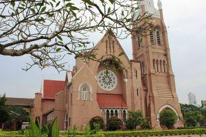 Holy-Trinity-Cathedral-Yangon-Myanmar-001.jpg