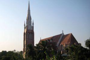 Holy-Trinity-Cathedral-Yangon-Myanmar-002.jpg
