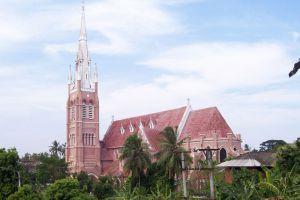 Holy-Trinity-Cathedral-Yangon-Myanmar-004.jpg
