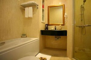Hope-Land-Executive-Residence-Sukhumvit-Bangkok-Thailand-Bathroom.jpg