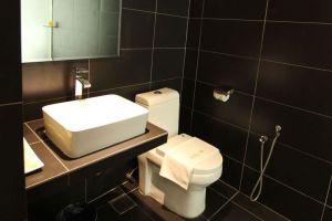 Hotel-99-Pudu-Kuala-Lumpur-Malaysia-Bathroom.jpg