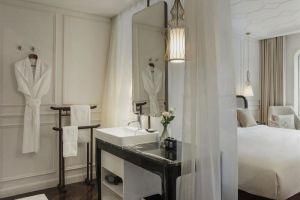 Hotel-Des-Arts-Saigon-Mgallery-Collection-Vietnam-Living-Room.jpg