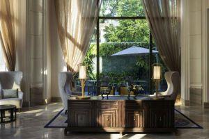 Hotel-Des-Arts-Saigon-Mgallery-Collection-Vietnam-Reception.jpg