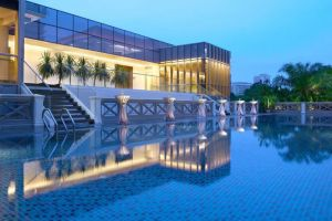 Hotel-Fort-Canning-Orchard-Singapore-Pool.jpg