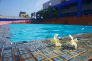 Hotel-Nikko-Hanoi-Vietnam-Pool.jpg