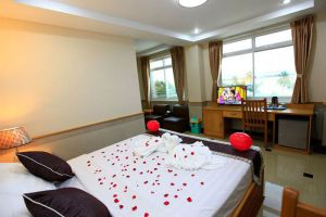 Hotel-Novel-Yangon-Myanmar-Room.jpg