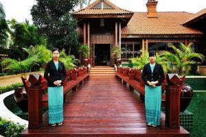 Hotel-Pyin-Oo-Lwin-Myanmar-Entrance.jpg