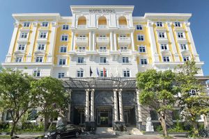 Hotel-Royal-Mgallery-Collection-Hoi-An-Vietnam-Entrance.jpg