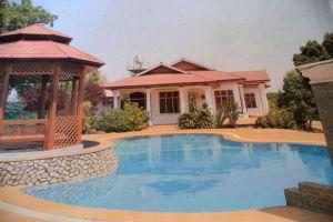 Hsaung-Thazin-Hotel-Pyin-Oo-Lwin-Myanmar-Pool.jpg