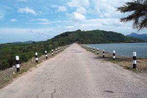 Huai-Nam-Sai-Reservoir-Phatthalung-Thailand-05.jpg