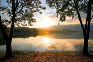 Huai-Pa-Daeng-Reservoir-Petchaboon-Thailand-05.jpg