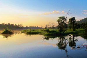Huay-Tung-Thao-Lake-Chiang-Mai-Thailand-002.jpg