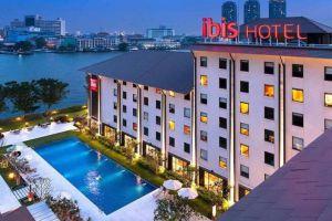 Ibis-Riverside-Hotel-Bangkok-Thailand-Facade.jpg