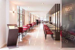 Ibis-Riverside-Hotel-Bangkok-Thailand-Restaurant.jpg