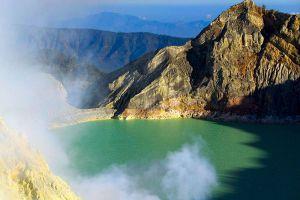 Ijen-Volcano-East-Java-Indonesia-002.jpg